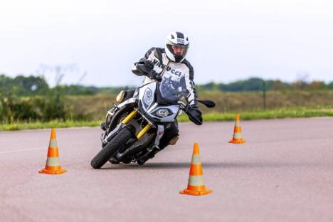 Bild Motorrad - Slalom